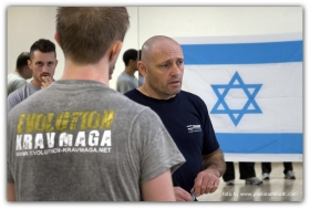 WELCOME IN EVOLUTION KRAV MAGA - EVOLUTION KRAV MAGA